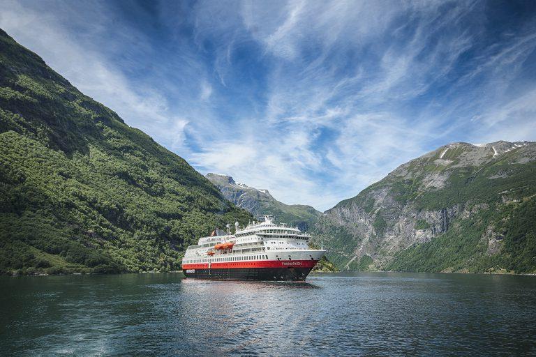 MS Otto Sverdrup (MS Finnmarken) - photo credit Hurtigruten _ Agurtxane Concellon