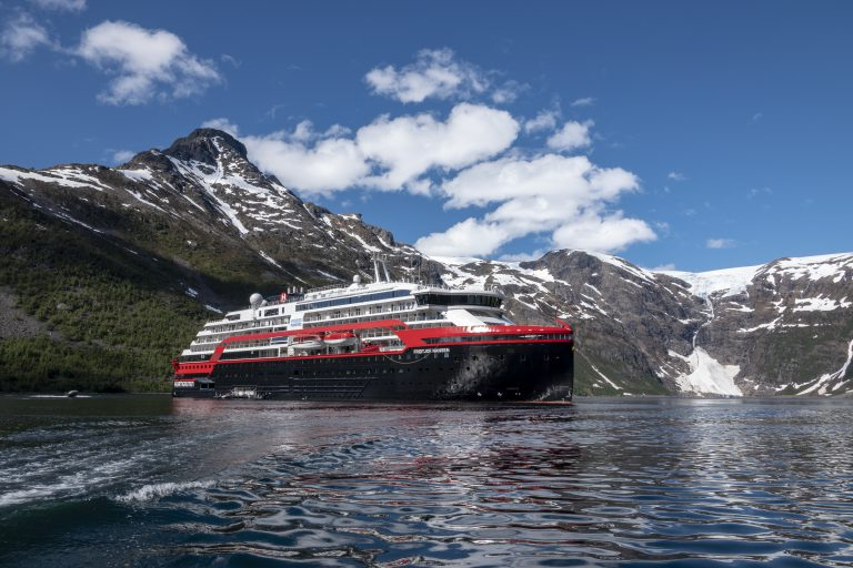 Isfjord-Norway-HGR-143331- Photo_Andrea_Klaussner