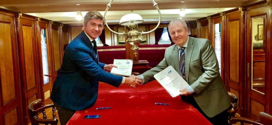 the_agreement_between_trelleborg_marine_systems_and_port_of_langnas_was_signed_on_24th_of_january_in_the_captains_saloon_of_the_windjammer_herzogin_cecilie.jpg